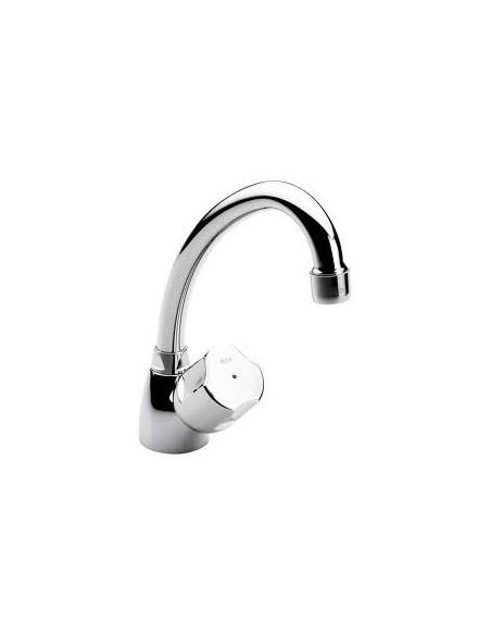 Robinet chromé eau froide pour lave-main.